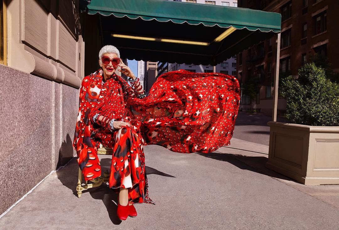 97 Year Old Fashion Icon Iris Apfel Has Just Signed With Img S Modeling Agency Chippeo